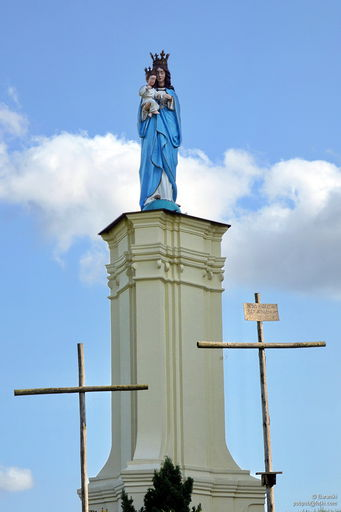 Posąg Matki Bożej