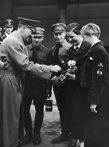 Receive Winter Relief contributions from AH Berlin 1935