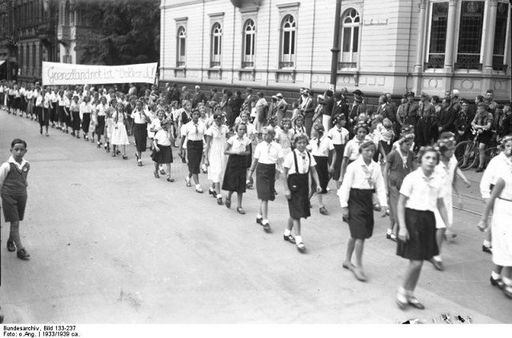 BDM girls marching in a parade in Worms 1933