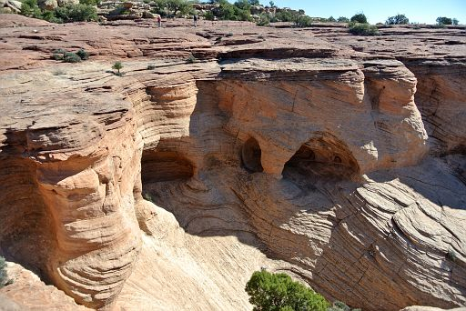 Rocks east of Antelope House overlook