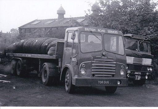 708DUG  1963 Bristol HA6G(LX) no. DG25 of Bradford depot. New as 4D994