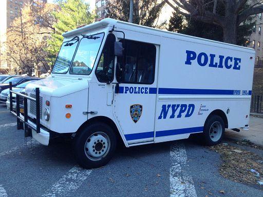 NY - NYPD Van
