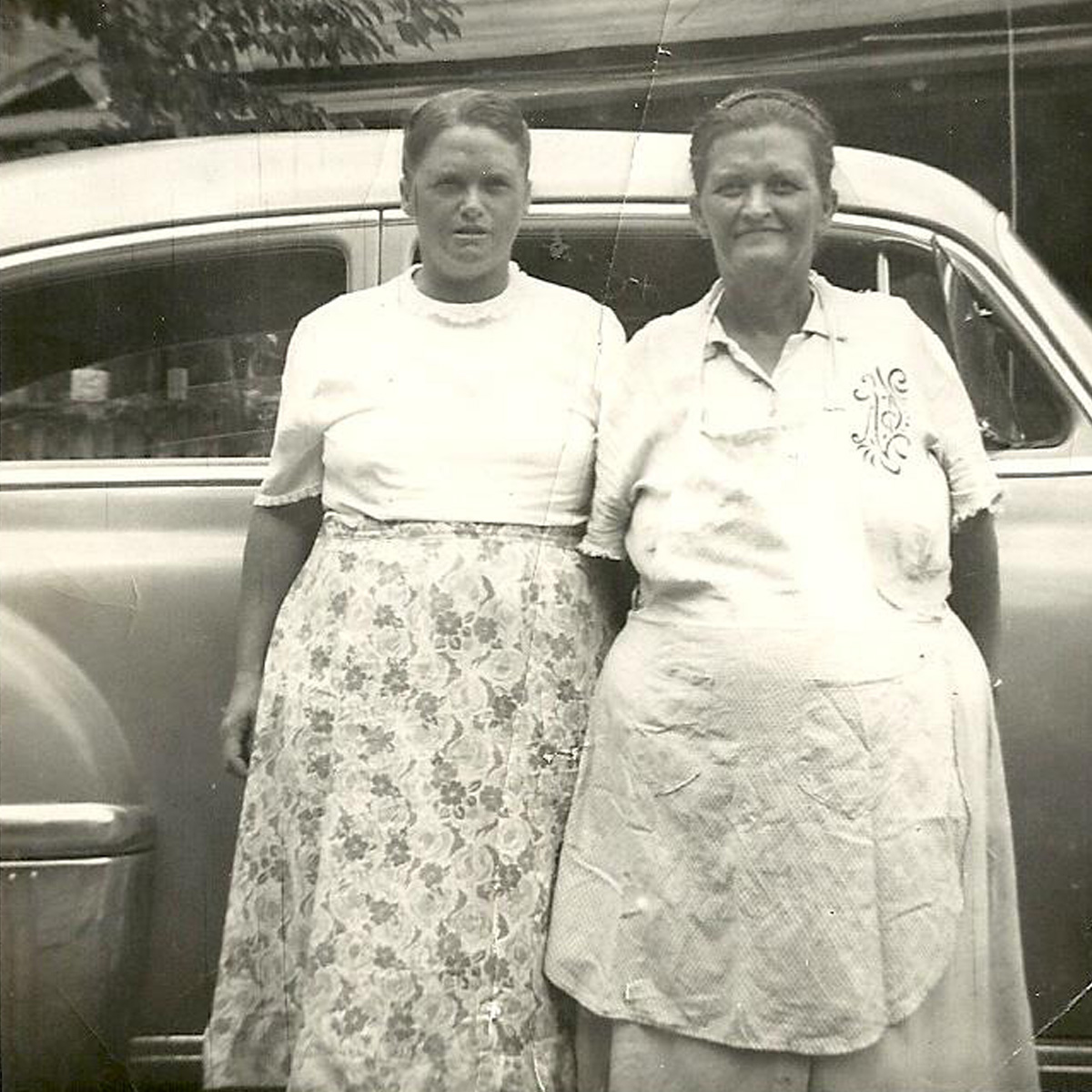 1 - Gibson SIsters; Alice and Minnie