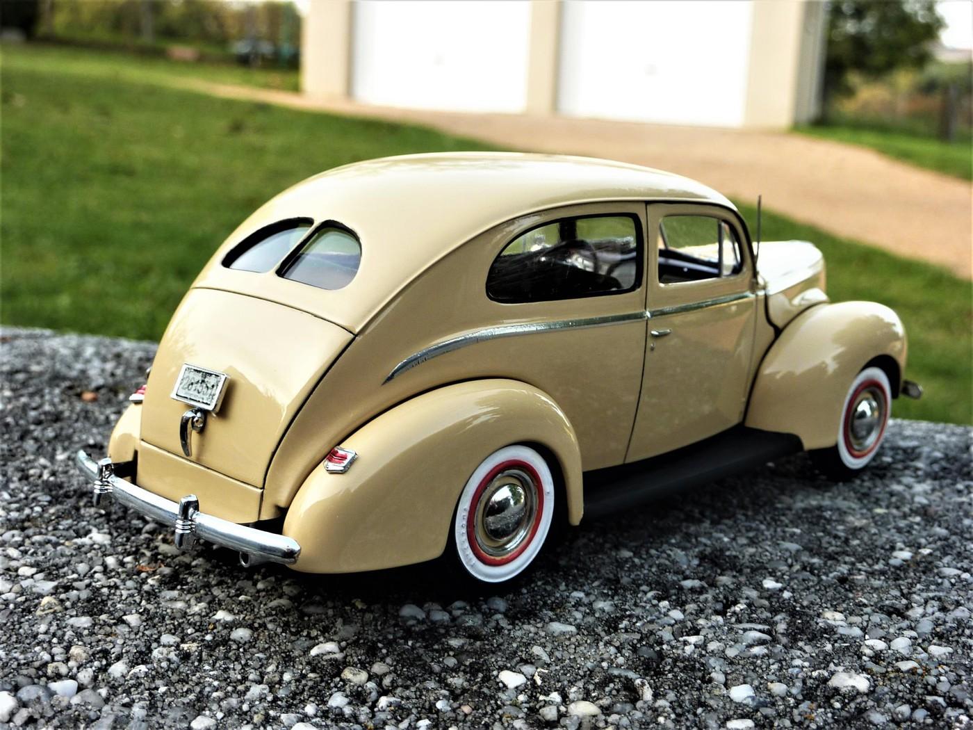 Ford Tudor Sedan 1940 restaurée  Photo1-vi
