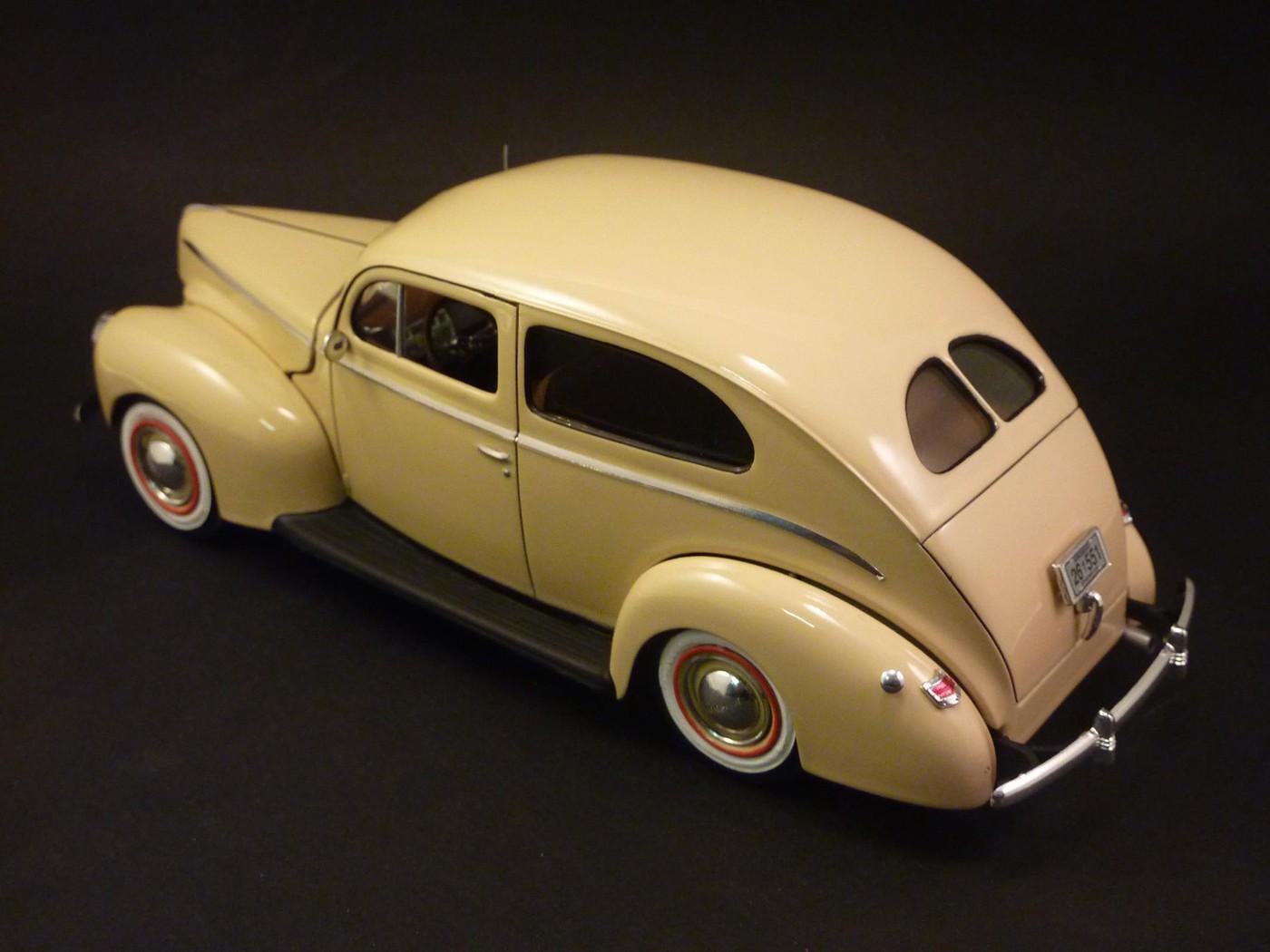 Ford Tudor Sedan 1940 restaurée  Photo45-vi