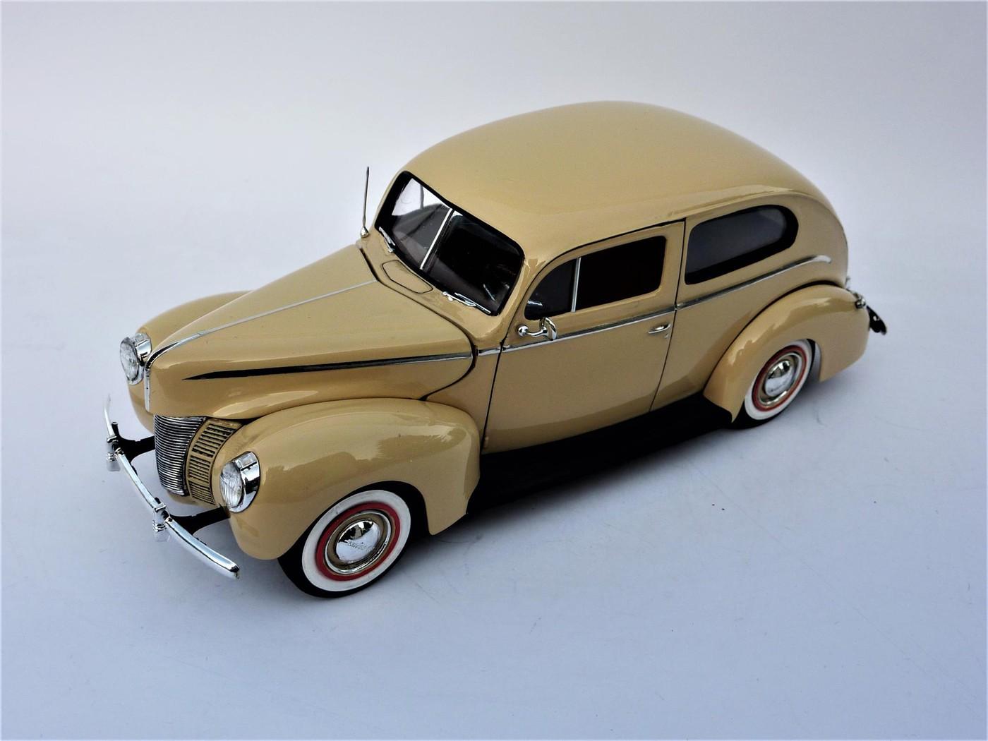 Ford Tudor Sedan 1940 restaurée  Photo59-vi