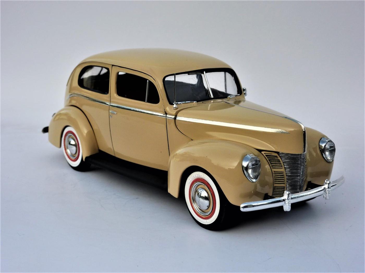 Ford Tudor Sedan 1940 restaurée  Photo69-vi